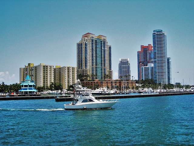 Miami skyline - get the best out of your South Florida move