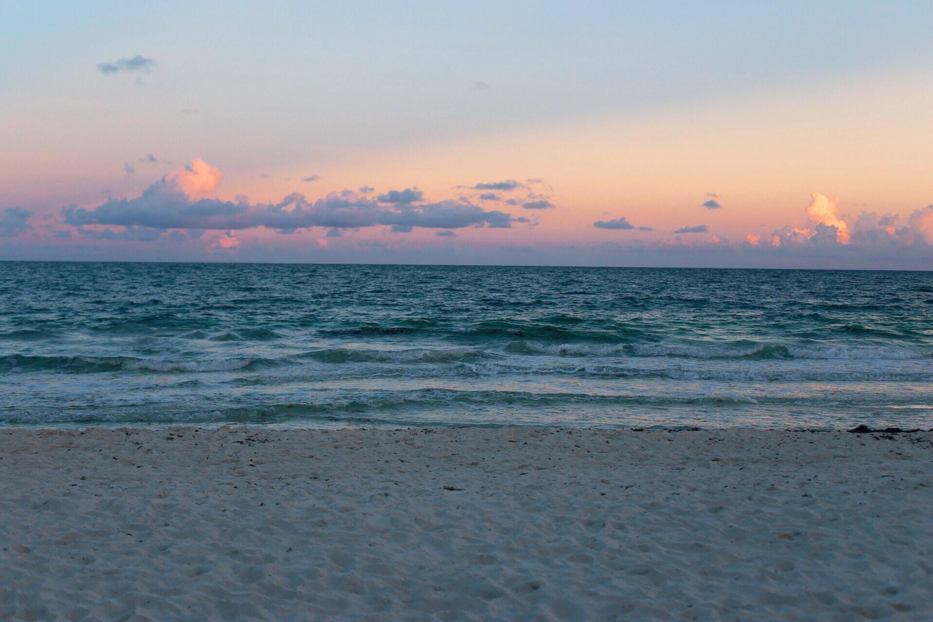 Tourists love visiting Miami.