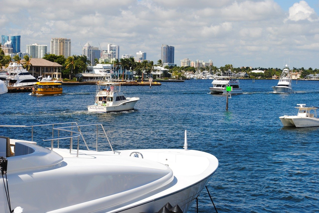 Moving to Fort Lauderdale will be a superb experience with all it has to offer - a beautiful harbor and lots of ships to begin with.