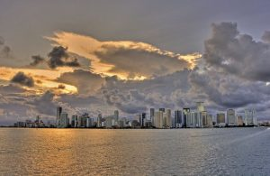 Miami landscape from a far to help you put things in perspective before your long distance move.