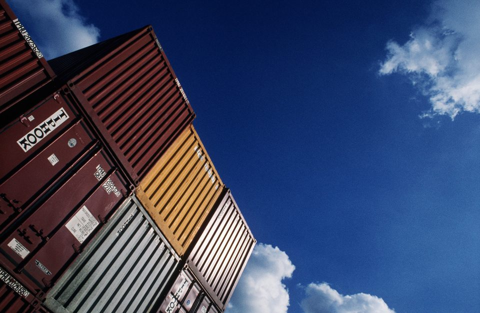 Choose between moving containers vs. truck rentals