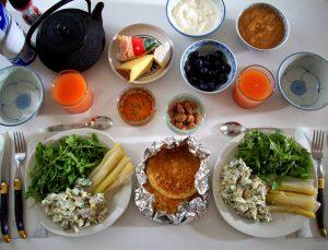 A buffet-style brunch