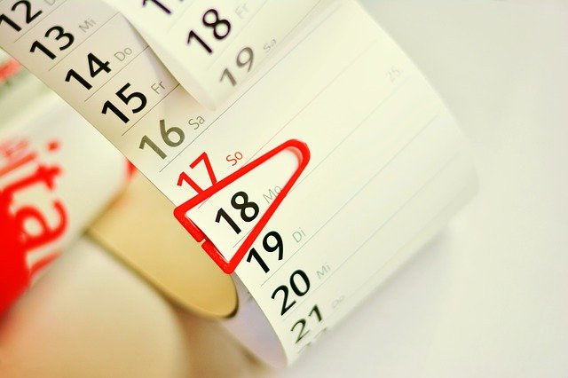 Calendar with moving in off peak season date marked