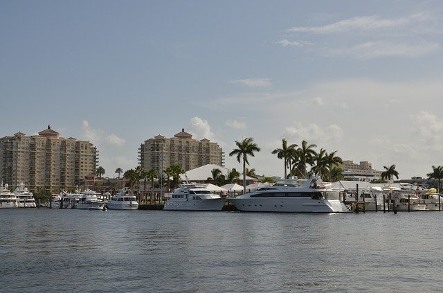Boats everyone who is moving in Fort Lauderdale will see